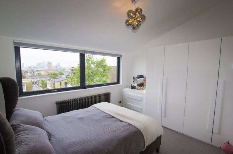 2 Bedrooms House for sale in Point Hill, Greenwich