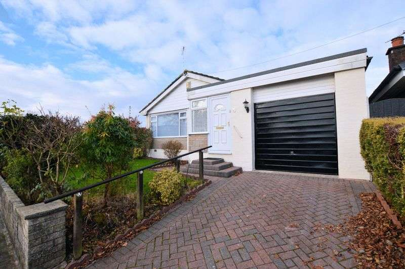 3 Bedrooms Detached Bungalow for sale in Rivington Drive, Bury