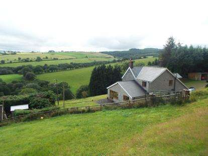 5 Bedrooms Detached House for sale in With 5 Acres Of Land, Clocaenog, Ruthin, Denbighshire, LL15