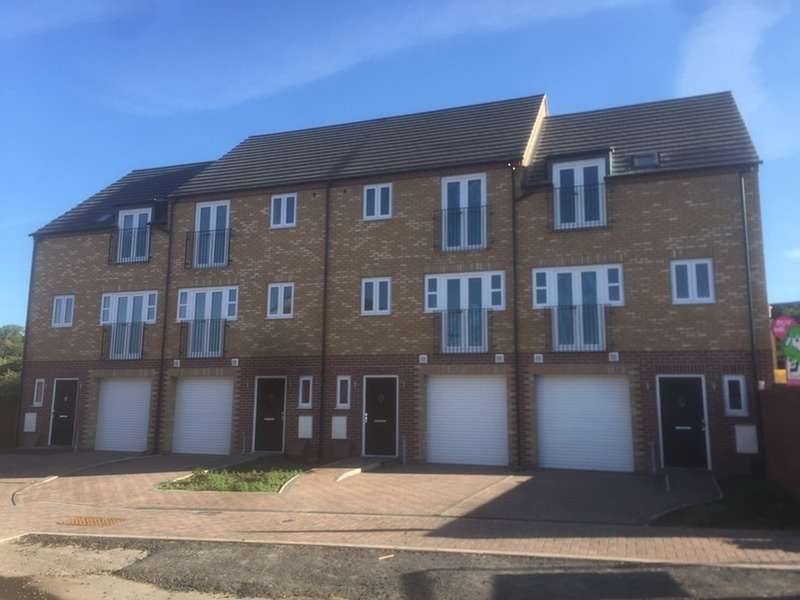 3 Bedrooms Town House for sale in Northolme View, Gainsborough, Lincolnshire, DN21