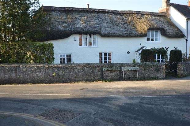 6 Bedrooms Unique Property for sale in Fore Street, Kingsteignton, Newton Abbot, Devon. TQ12 3AU