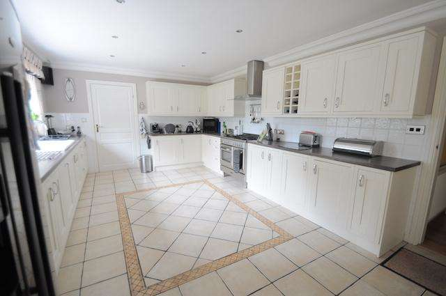 4 Bedrooms Detached House for sale in Melton Road, North Ferriby, Hull, HU14 3ES