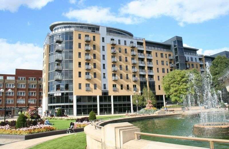 2 Bedrooms Flat for sale in Dock Street, Hull