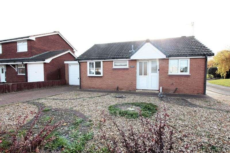 2 Bedrooms Detached Bungalow for sale in Lon Mafon, Rhyl