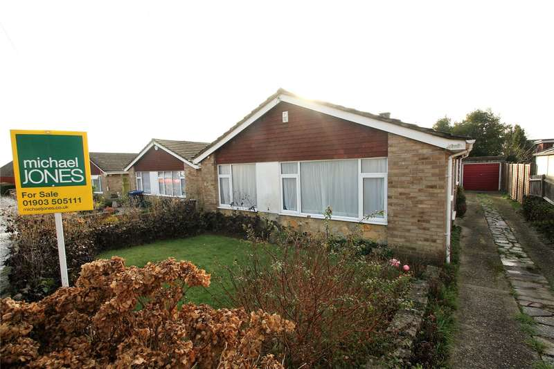 3 Bedrooms Detached Bungalow for sale in Cradock Place, Durrington, Worthing, BN13