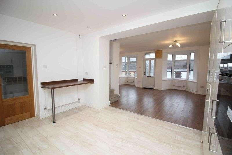 3 Bedrooms Terraced House for sale in Trealaw Road, Tonypandy, CF40 2NS