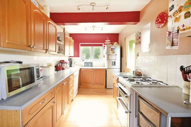3 Bedrooms House for sale in Littlemoor Road, Weymouth, DT3