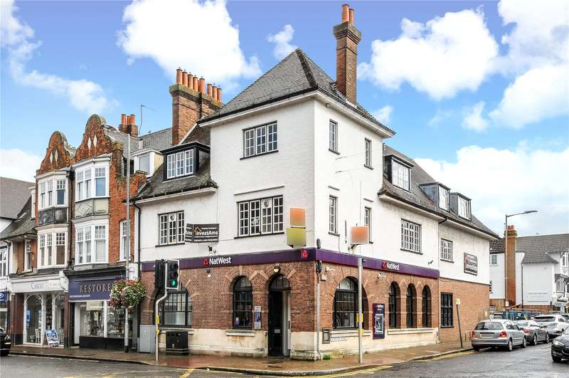 2 Bedrooms Apartment Flat for sale in Station Road, Gerrards Cross, Buckinghamshire, SL9