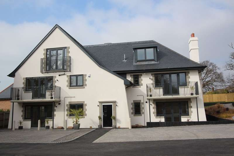 2 Bedrooms Apartment Flat for sale in Barton Court Avenue, Barton on Sea