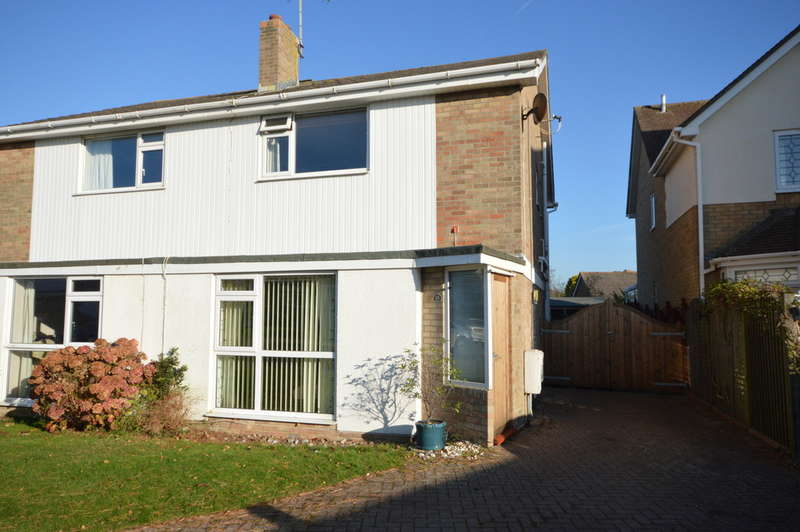 3 Bedrooms Semi Detached House for sale in White Knights, Barton on Sea