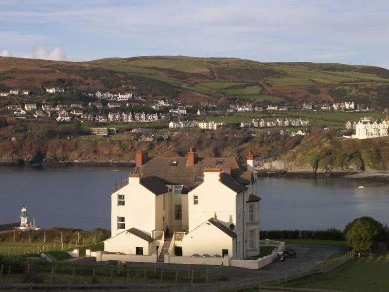 2 Bedrooms Flat for sale in Beachmount, Port Erin
