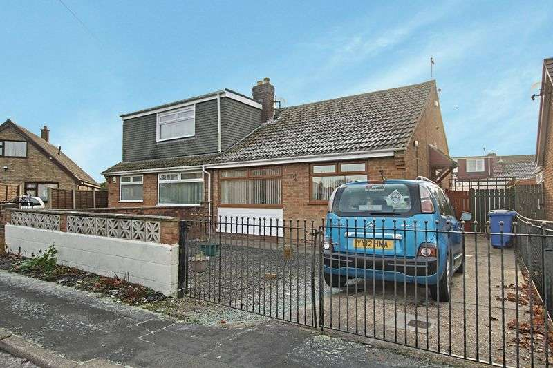 2 Bedrooms Semi Detached Bungalow for sale in Station Road, Hull
