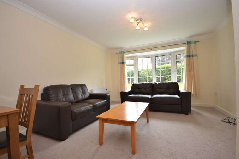 3 Bedrooms Apartment Flat for sale in Arncliffe Court, Marsh, Huddersfield
