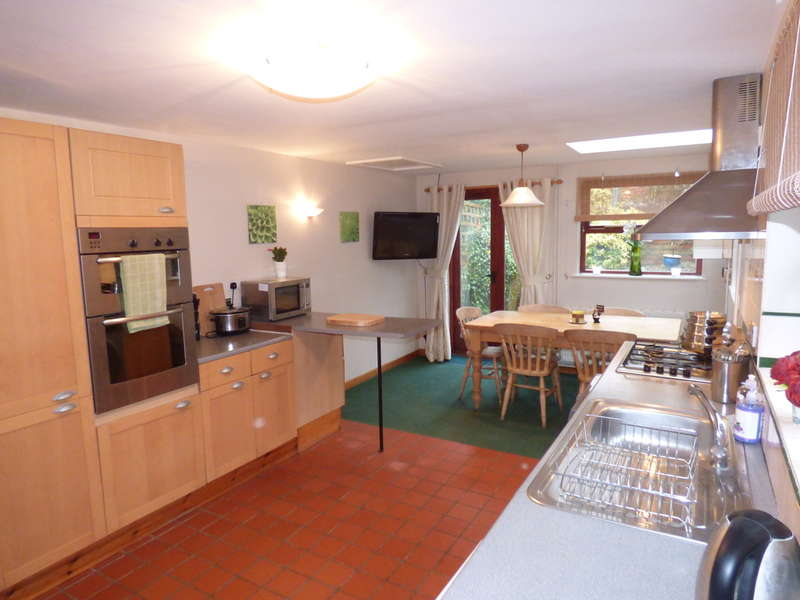 3 Bedrooms Cottage House for sale in Tweentown, Donnington Le Heath