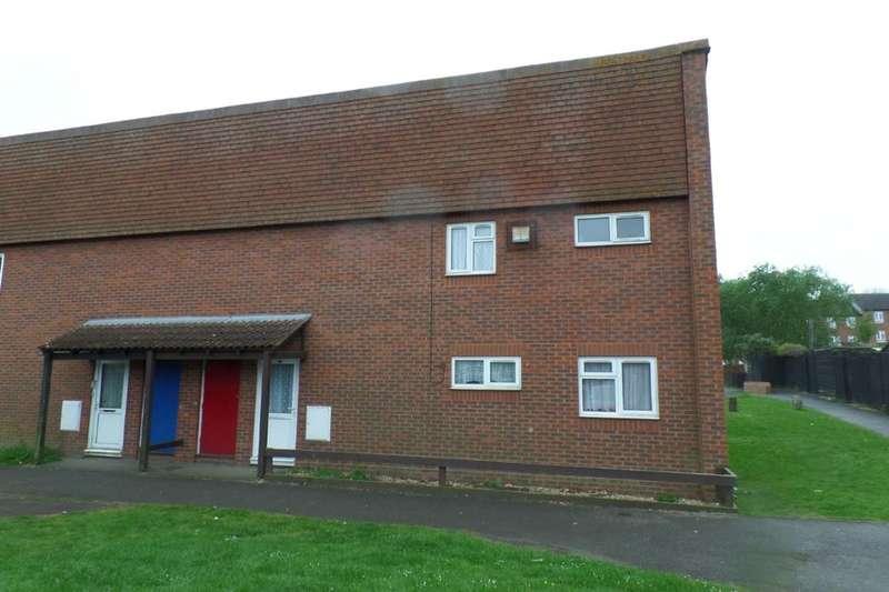 4 Bedrooms Semi Detached House for sale in Blaxland Close, Faversham, ME13