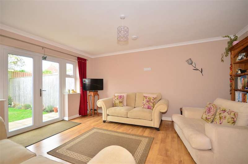 2 Bedrooms Semi Detached House for sale in Fitzroy Street, Sandown, Isle of Wight