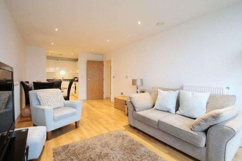 1 Bedroom Flat for sale in Dowells Street, London