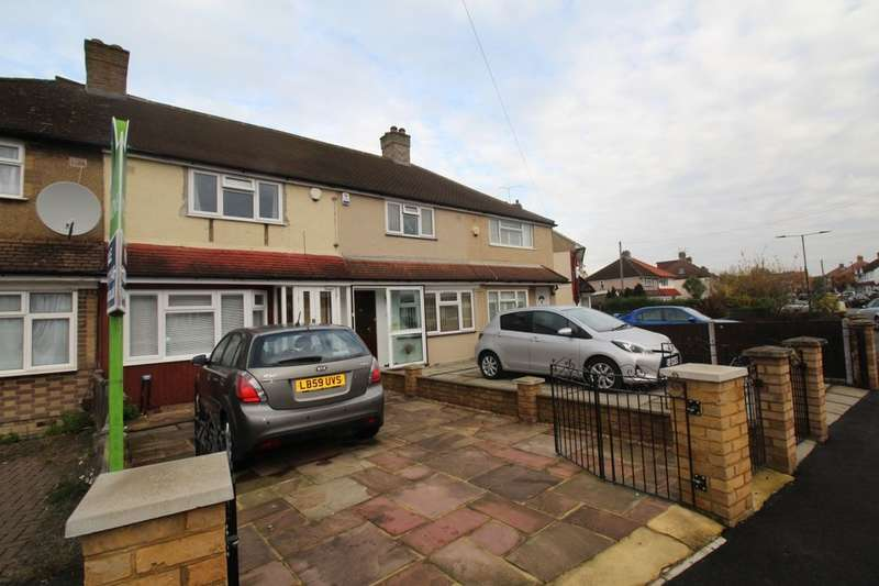 2 Bedrooms Property for sale in The Alders, Feltham, TW13