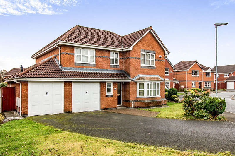 4 Bedrooms Detached House for sale in Sutton Close, Bury, BL8