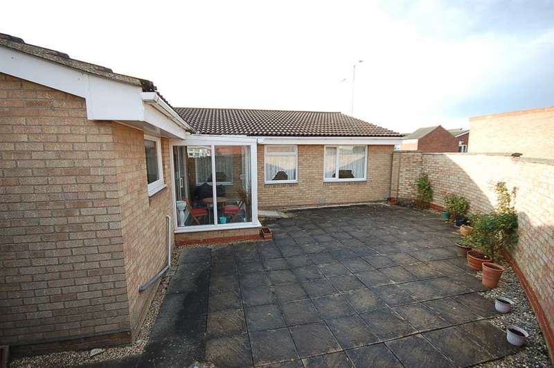 3 Bedrooms Bungalow for sale in Littell Tweed, Chelmer Village, Chelmsford