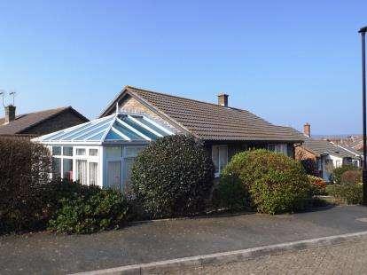 2 Bedrooms Bungalow for sale in Sandown, Isle of Wight