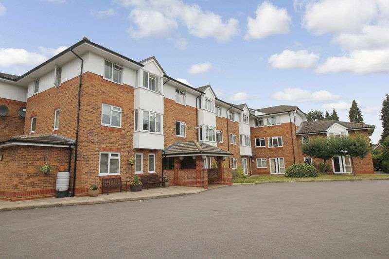 1 Bedroom Retirement Property for sale in Cedar Court, Addlestone, KT15 2LQ