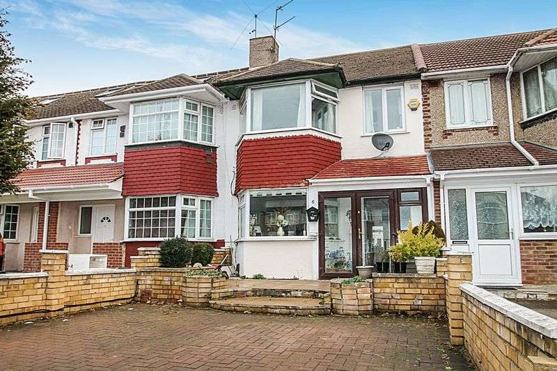 3 Bedrooms House for sale in Warner Close, Hayes