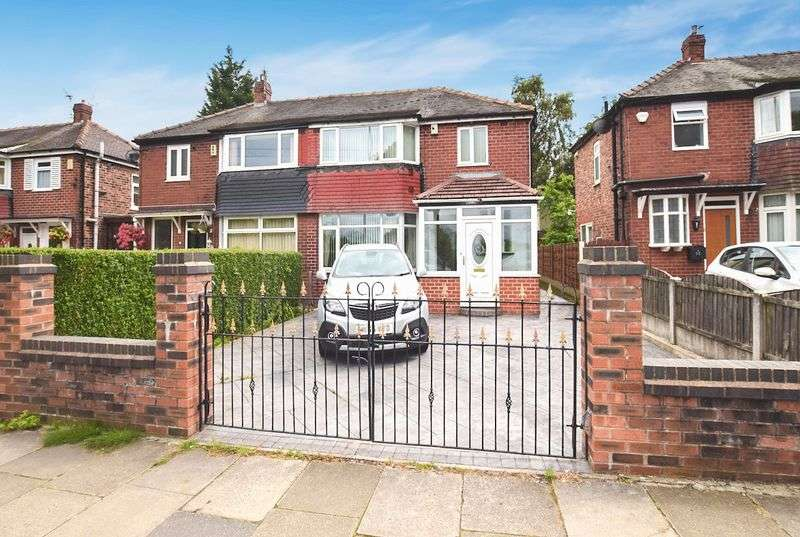 3 Bedrooms Semi Detached House for sale in Thatch Leach Lane, Whitefield