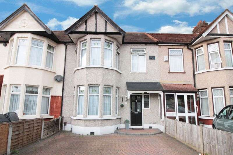 3 Bedrooms Terraced House for sale in Glenwood Gardens, Gants Hill