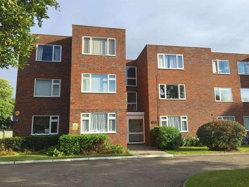3 Bedrooms Flat for sale in Albemarle Road, Beckenham