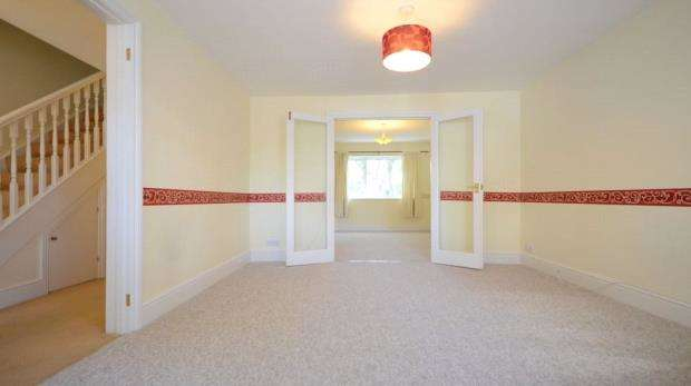 3 Bedrooms Semi Detached House for sale in Portlock Road, Maidenhead, Berkshire