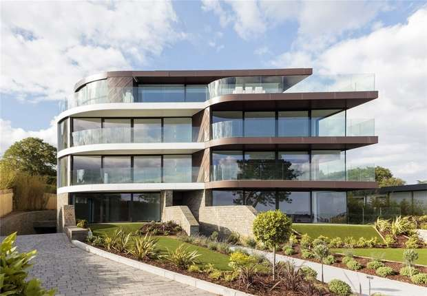 3 Bedrooms Flat for sale in One Shore Road, Sandbanks, Poole, Dorset