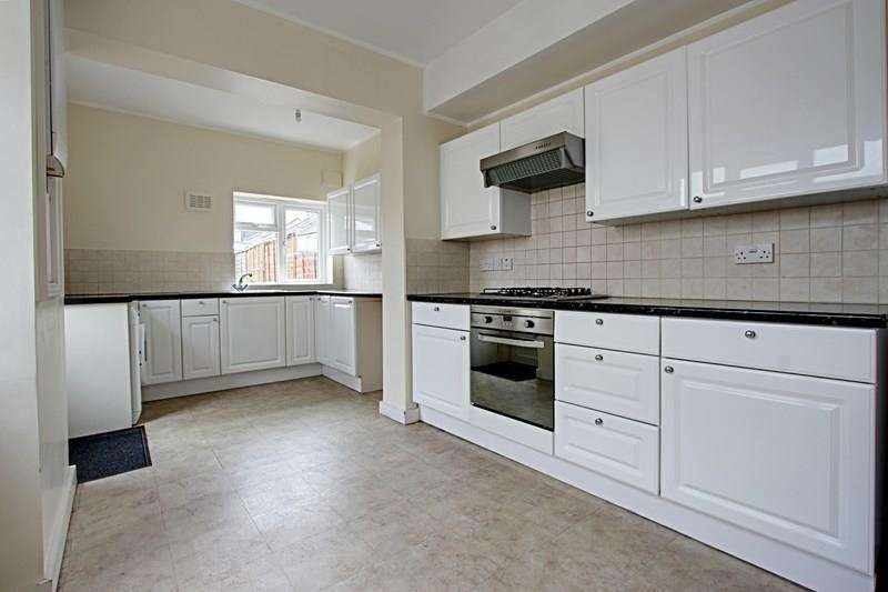 3 Bedrooms Property for sale in Lancaster Road, Enfield