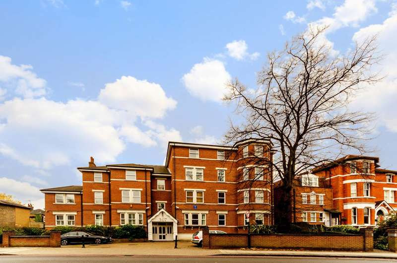2 Bedrooms Flat for sale in Upper Richmond Road, West Putney, SW15