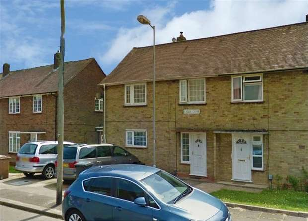 3 Bedrooms Semi Detached House for sale in Cades Close, Luton, Bedfordshire