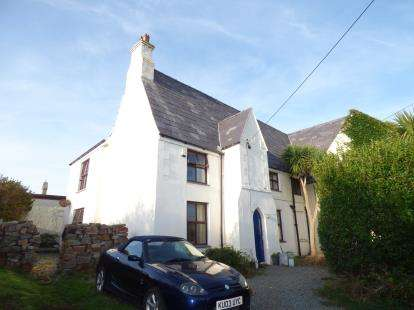 3 Bedrooms Semi Detached House for sale in Aberffraw, Anglesey, Sir Ynys Mon, LL63
