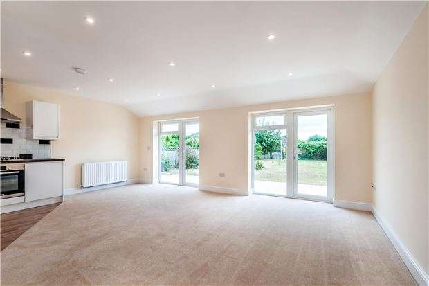 3 Bedrooms Detached Bungalow for sale in High Street, Sutton Courtenay, ABINGDON, Oxfordshire, OX14 4AT