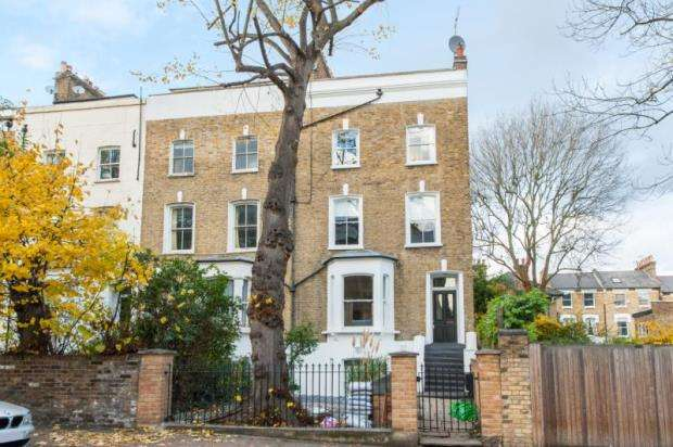 3 Bedrooms House for sale in Highbury Grange, London, N5