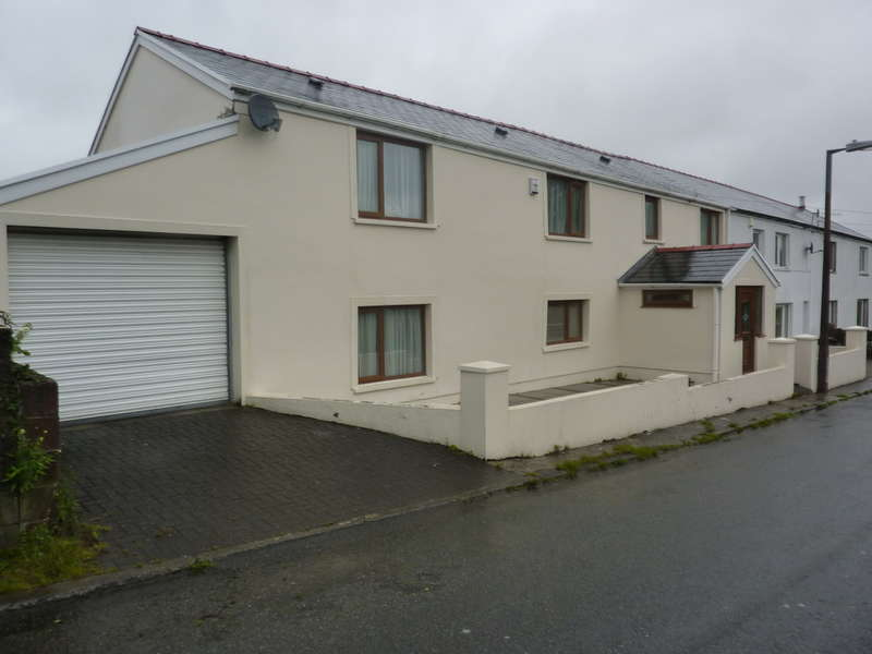 4 Bedrooms Semi Detached House for sale in Gellideg, Merthyr Tydfil