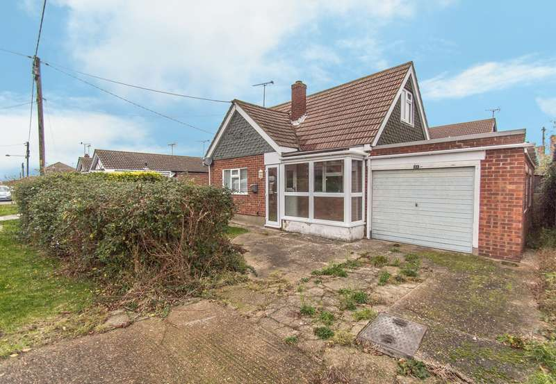 1 Bedroom Detached Bungalow for sale in Athos Road, Canvey Island, SS8