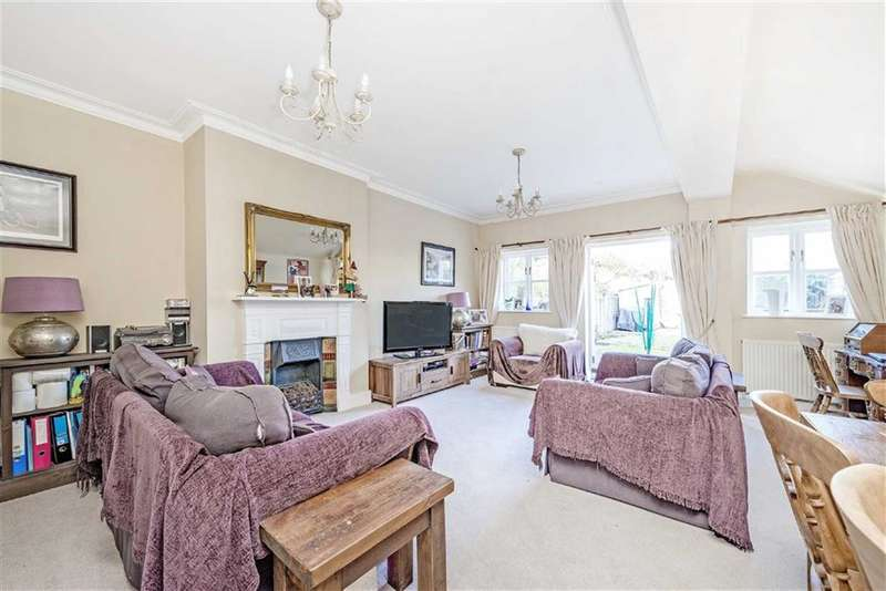 2 Bedrooms Flat for sale in Greswell Street, Fulham, London