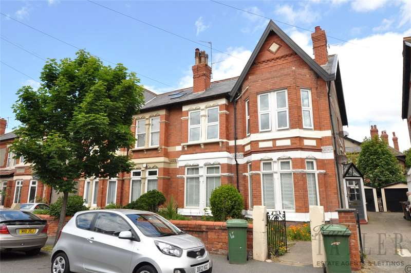 3 Bedrooms Flat for rent in Hydro Avenue, West Kirby, Wirral