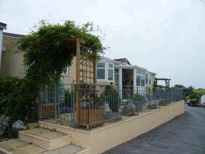 2 Bedrooms Mobile Home for sale in Totnes Road, Paignton, Devon