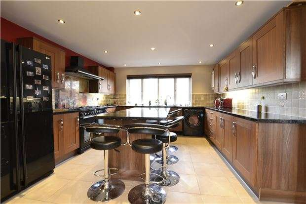 4 Bedrooms Detached House for sale in Moorland Close, WITNEY, Oxfordshire, OX28 6LN