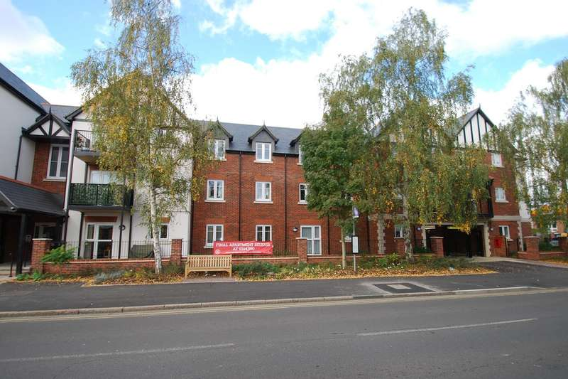 2 Bedrooms Apartment Flat for sale in Marlow Road, Bourne End, SL8