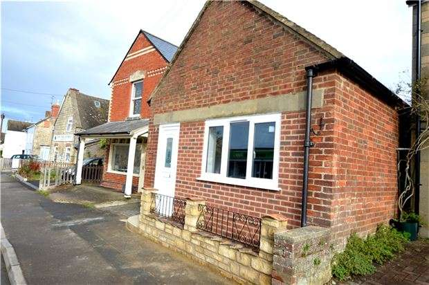 1 Bedroom Bungalow for sale in High Street, Kings Stanley, Stonehouse, Gloucestershire, GL10 3JF