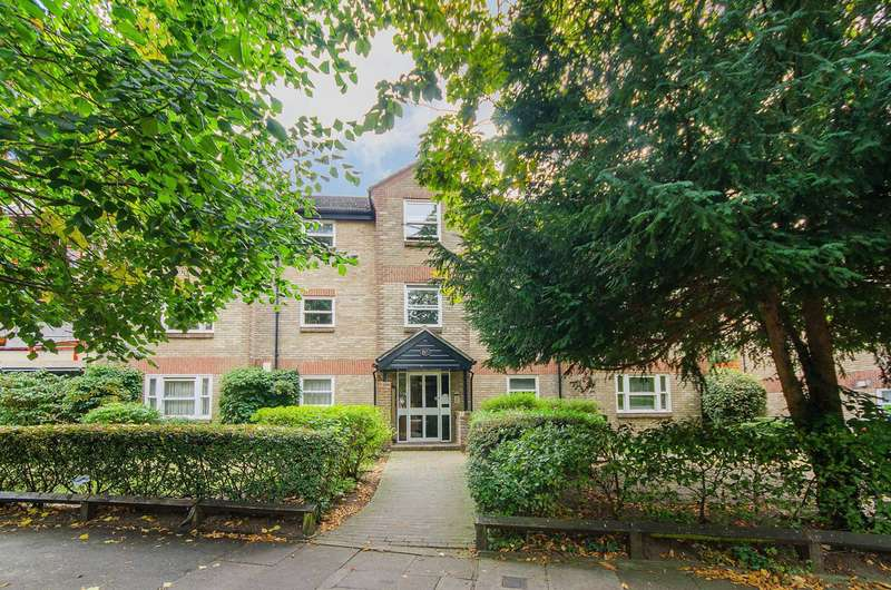 2 Bedrooms Flat for sale in Lawn Road, Beckenham, BR3