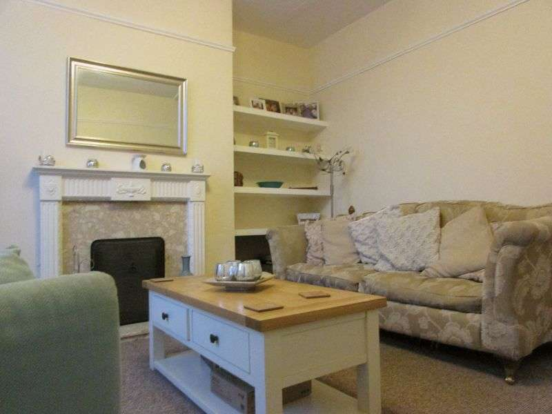 2 Bedrooms Terraced House for sale in Pine Street South, Bury - Ideal First Time Buy