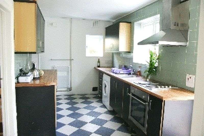 6 Bedrooms Semi Detached House for rent in Hillside, Brighton
