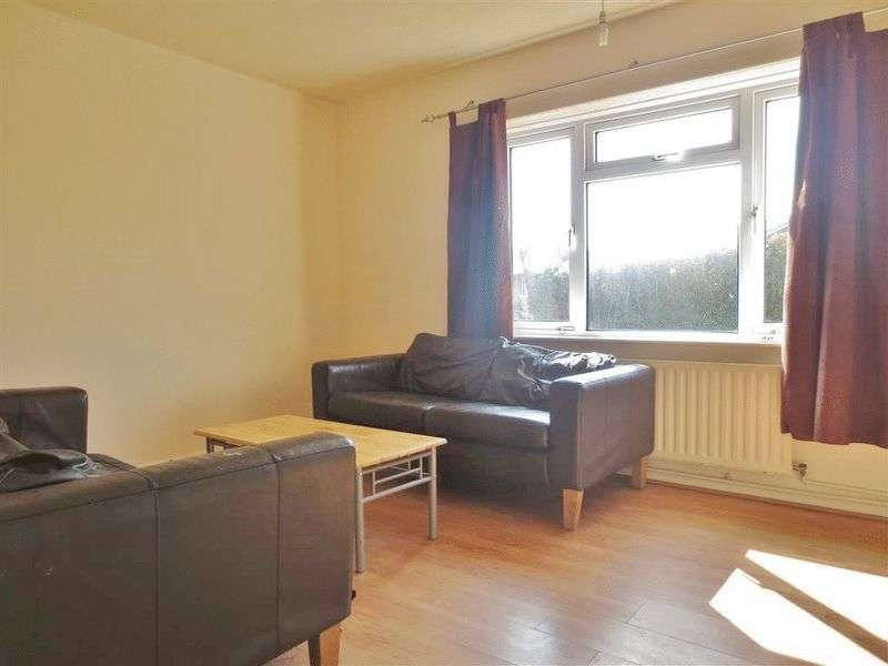 6 Bedrooms Semi Detached House for rent in Appledore Road, Brighton